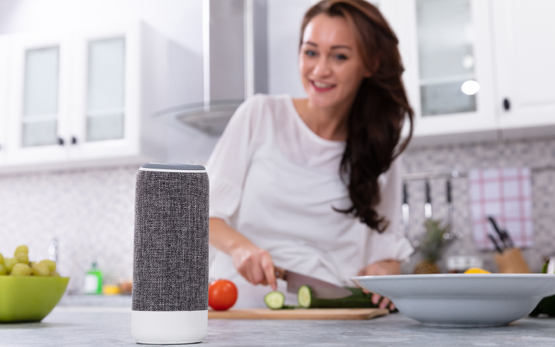 woman_kitchen_smart_speaker